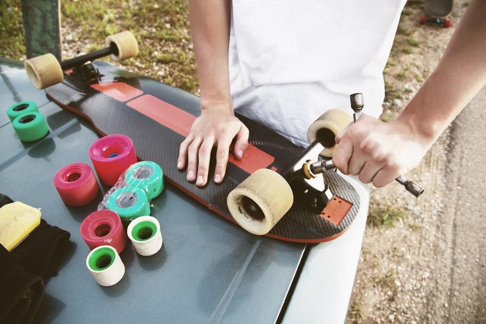 How to Fix a Broken Skateboard